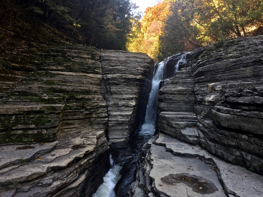 Layers of shale and limestone at Whitaker Falls. Photo: Helen Eifert